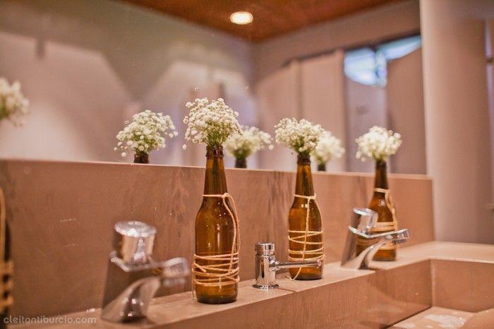 Detalhes que fazem a diferença no casamento. Um toque especial no banheiro do espaço de festa.