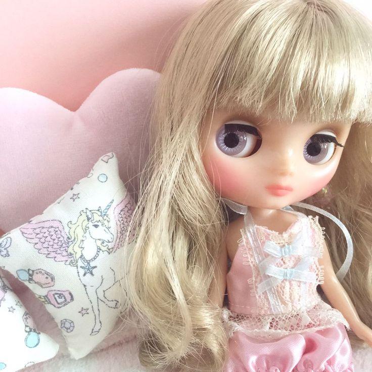 """213 Likes, 53 Comments - mieco (@mimimieco) on Instagram: """"お返事前にごめんなさい。 お迎えしたミディちゃん❤︎ メラニーちゃんです(θvθ) 寝起きっぽい表情がたまらんね❤︎ * お洋服無しで購入したので、 お洋服が殆どなく、とりあえず…"""""""