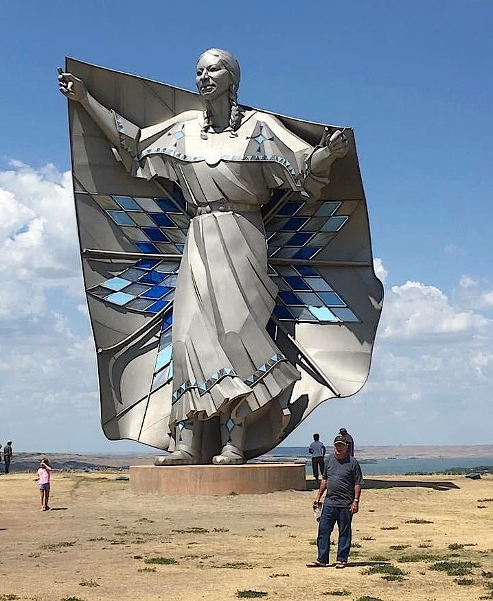 This new fifty-foot sculpture was unveiled recently in South Dakota.  It's called 'Dignity' & was done by artist #DaleLamphere to honor the women of the Sioux Nation.