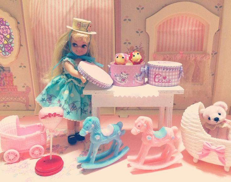 Ceriseさんから可愛いドール用の帽子箱が届きました #maki_cerise #cerisestore #シャーリードール #シャーリーテンプル #shirleytemple  #shirleytempledoll #ミニチュア #doll by romanticgirlypinkmomo