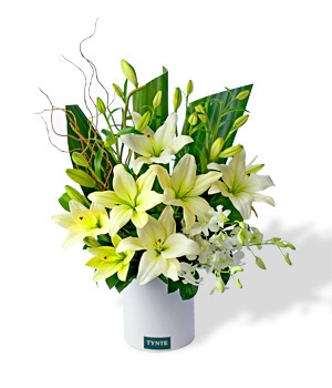 Thinking of you at this sad time https://www.tynte.com/products/todays-flowers