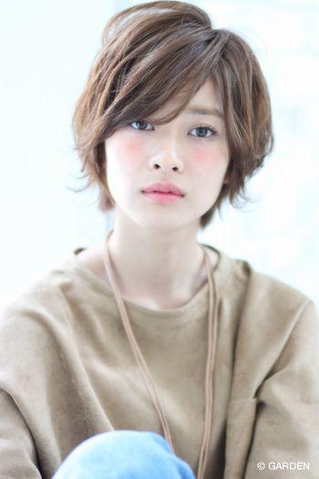 『joemi』無造作ウェーブショートスタイル 大久保瞳 | GARDEN HAIR CATALOG | 原宿 表参道 銀座 美容室 ヘアサロン ガーデン