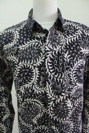 Kemeja Batik Tulis Lasem motif Latohan warna Hitam #batiktulis #batikindonesia #lasem #mensclothing #art #vintage