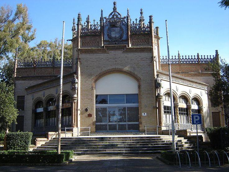 Estado de Sevilla: Estado del pabellón Real del Parque de María Luisa.