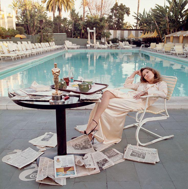Faye Dunaway par Terry O Neill http://www.vogue.fr/photo/le-portfolio-de/diaporama/les-photos-de-terry-o-neill/12862/image/747253#!faye-dunaway-par-terry-o-neill