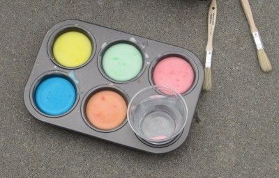 Homemade Sidewalk Paint- equal parts water and corn starch then add dye