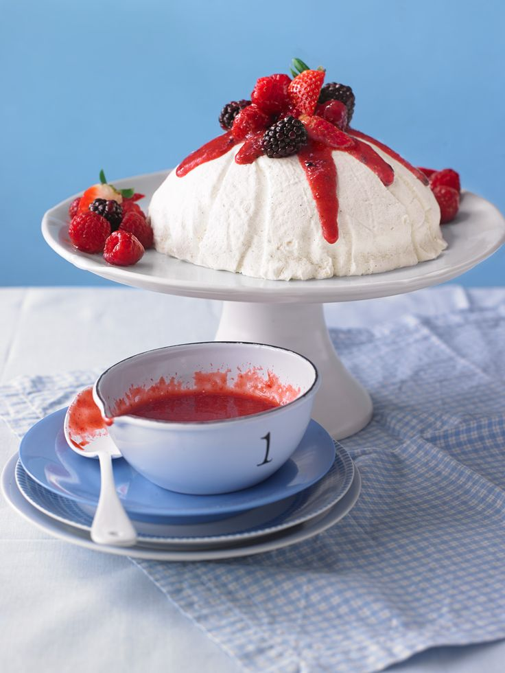Joghurt-Bombe 10/15 Absolutely delicious, I used 1 tsp vanilla extract and 1 1/2 c cream. Made cherry compote with it.