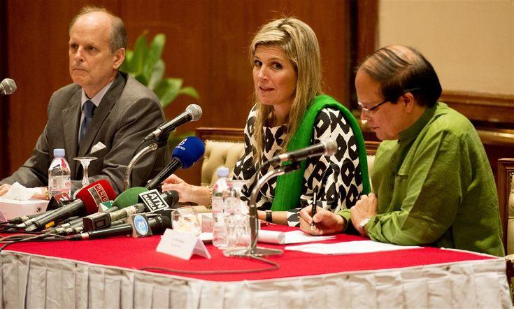 DHAKA - Met koningin Máxima gaat het goed. Dat zei de koningin woensdagmiddag zelf aan het slot van haar werkbezoek aan Bangladesh. Daar was ze drie dagen voor de Verenigde Naties in touw om het 160 miljoen inwoners tellende Zuid-Aziatische land te helpen iedereen toegang te geven tot financiële diensten. (Lees verder…)