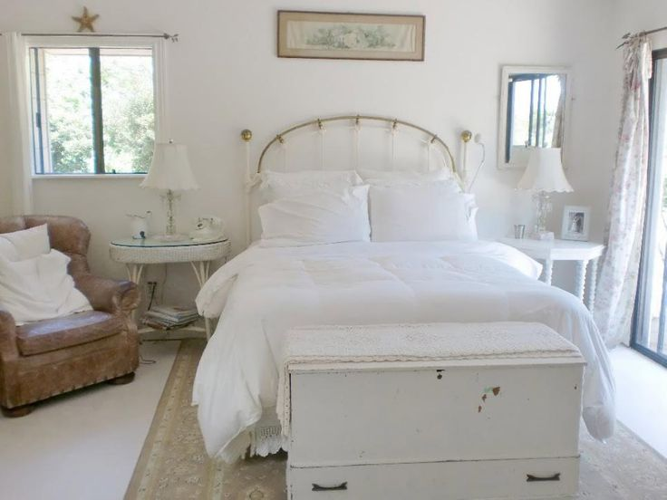 Layers Of Varying Shades Of White Are The Hallmark Of The Shabby Chic  Style. Not