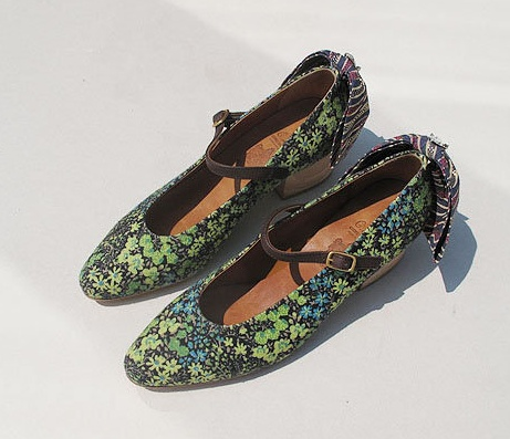 ditsy leaf shoes: Leaf Shoes, View, Leaves, Products