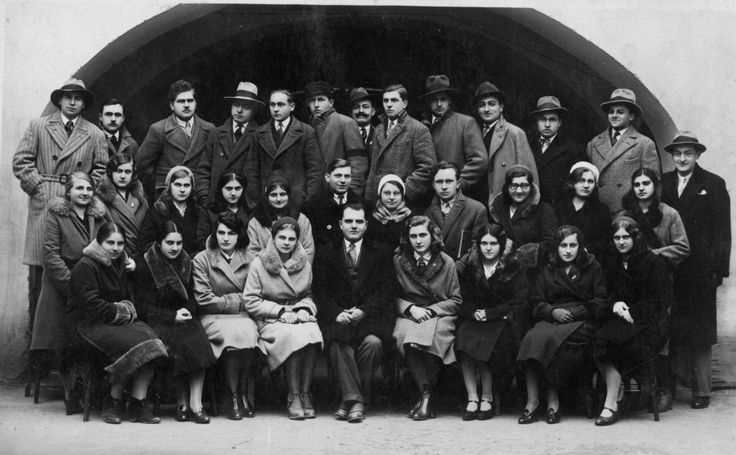 maturanti-uciteljske-skole-1932