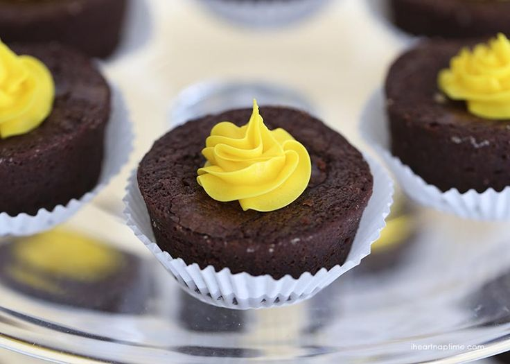 Bumble Bee Baby Shower Ideas   Brownie Bites With A Splash Of Yellow.