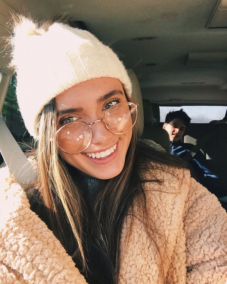 "18.4k Likes, 240 Comments - Hannah Meloche⚡️ (@hannahmeloche) on Instagram: ""oh hey what's up reeve"""