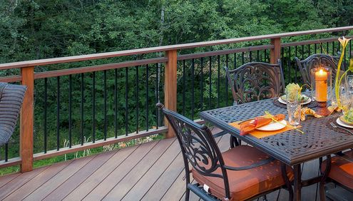 Best Continuous 2X4 Double Top With Metal Balusters Below 640 x 480