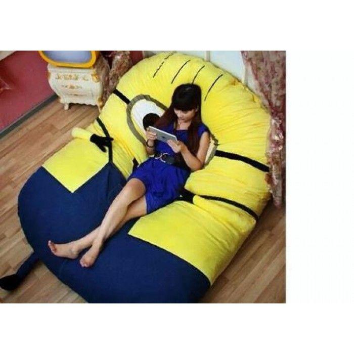 Freakkiinnnggg whhhaaaaatttttttt!!! Larger-than-life-size minion pillow!!! $800 :'(