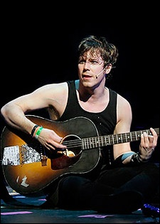 John Gallagher Jr. needs to be in more stuff!
