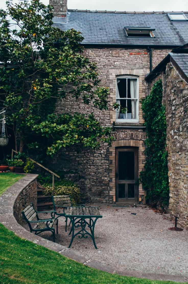 """fixeche: """" Welsh country house """""""