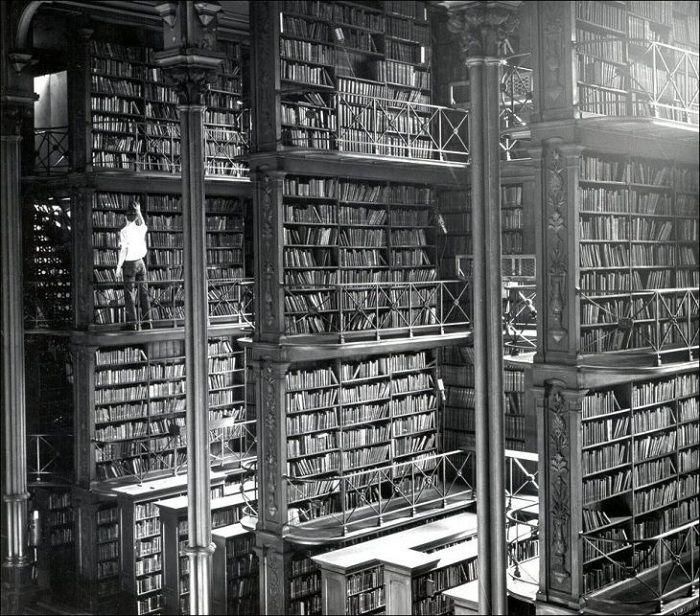 Так выглядела библиотека 150 лет назад.