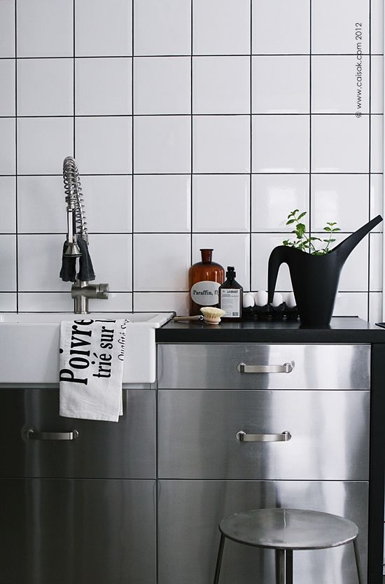 love the tiles and the steel