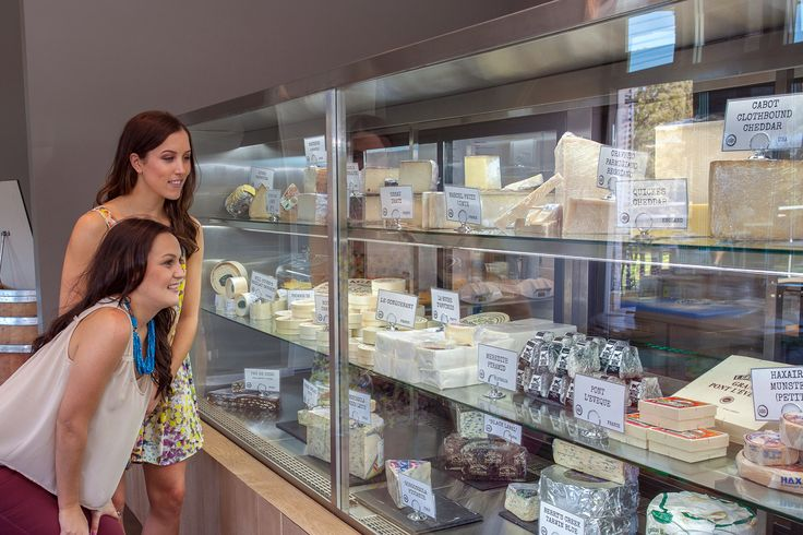 Graze your way through the beautiful Swan Valley enjoying coffee, chocolate, olive, ice cream, honey, wine, WA cheese, lavender scones and nougat tastings with Taste Bud Tours