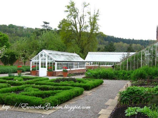 Ewa in the Garden: 22 Pictures of English Vegetable Garden