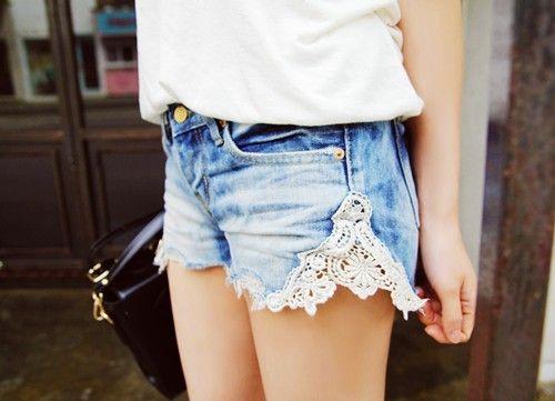 DIY denim short: Cute Ideas, Laceshort, Lace Jeans Shorts, Jeanshort, Denim Shorts, Diy, Lace Shorts, Jeansshorts, Old Jeans