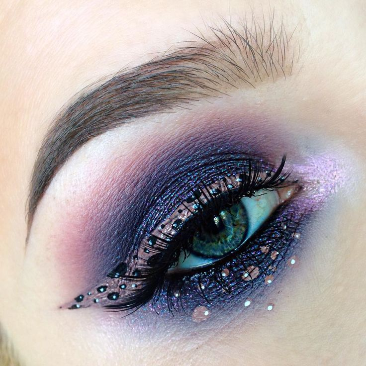 """Witchy Woman on Instagram: """"✨ Shadows used are @colourpopcosmetics Bae, Envy, and Bill, and @occmakeup Oberon ✨ Liner/dots are @lasplashcosmetics Lip Couture in Cryptic and @nyxcosmetics black and white liquid liners ✨ Waterline is @lagirlcosmetics Glide Gel Liner in Very Black ✨ Lashes"""
