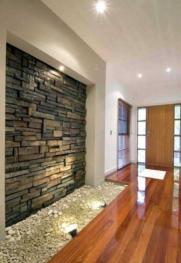 Ideas para decorar pasillos o paredes con piedra. #JulietaPisani #DecoDesign