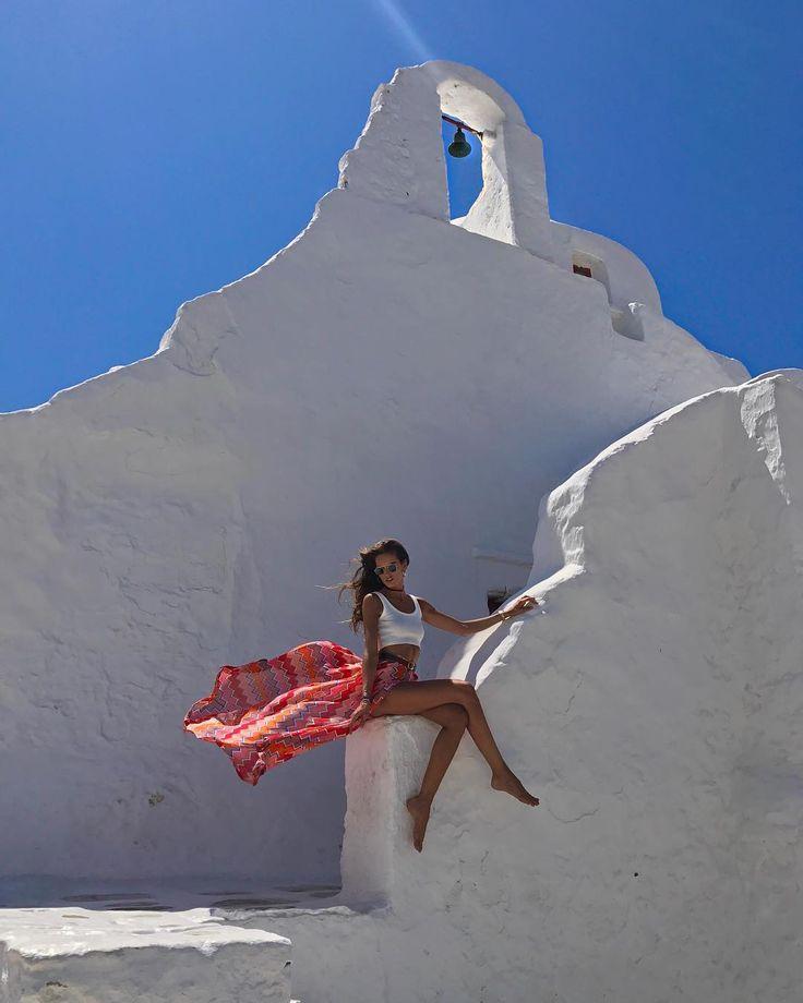 """131.7 tis. To se mi líbí, 706 komentářů – Izabel Goulart (@izabelgoulart) na Instagramu: """"Mykonos Feelings  #vacation #greece #summer #goodvibes"""""""