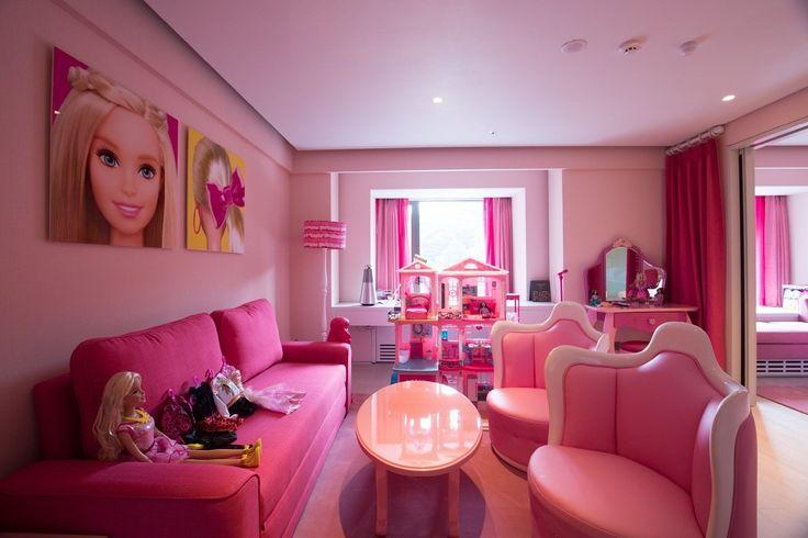월간 호텔&레스토랑) 그랜드 워커힐 서울은 3개월간의 리뉴얼을 거쳐 스카이뷰를 자랑하는 클럽 전용 라운지 및 프리미엄급 객실을 완비한 이그제큐티브 플로어 '그랜드 클럽 바이 워커힐'을 선보였습니다! 커플, 그리고 자녀 동반 가족 고객 외 VIP 고객의 니즈에 부합하는 세그먼트별로 룸 타입을 구분한 것이 특징인데요, 총 8개 타입으로 나뉜 클럽층을 만나보실 수 있습니다^^