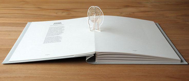 Moon Brouwer / Grafisch Ontwerp / pop-up boek BOVEN KAMERS  WOW...een kunstwerk van een boek!!!