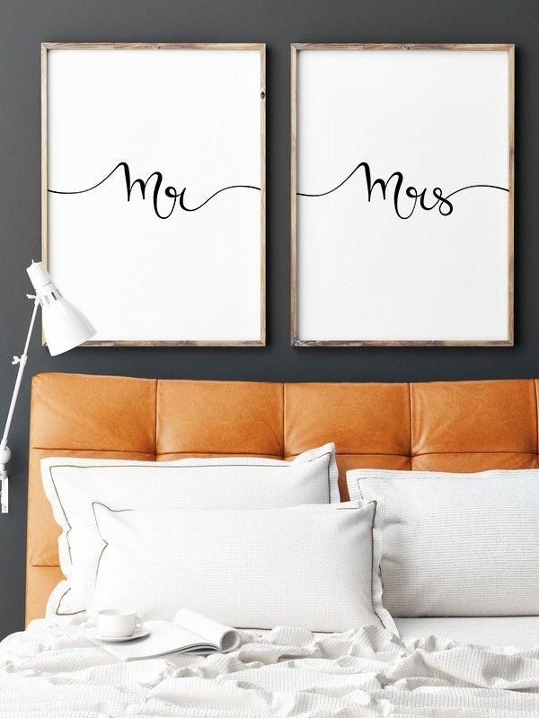 Uma decoraçao facil que fica bonita basta arranjar 2 quadros do mesmo tamanho e 2 folhas que sejam do tamanho do quadro escrever o que se quer e decorar a gosto!