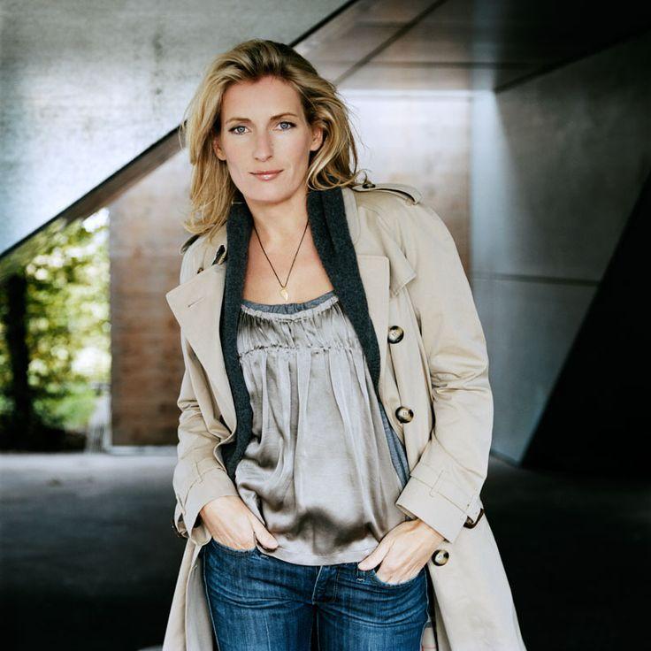 Maria Furtwängler fashionable #coat