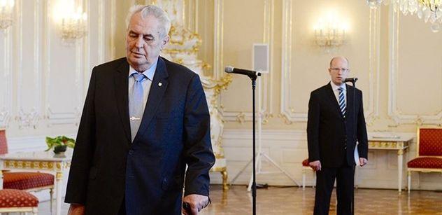 ANKETA Premiér Bohuslav Sobotka řekl ČTK, že mezi kandidáty na prezidenta nevidí ČSSD vhodného levicového uchazeče. ČSSD proto podle Sobotky zvažuje, že navrhne vlastního kandidáta, který by se postavil mocenskému paktu mezi Milošem Zemanem a Andrejem Babišem.
