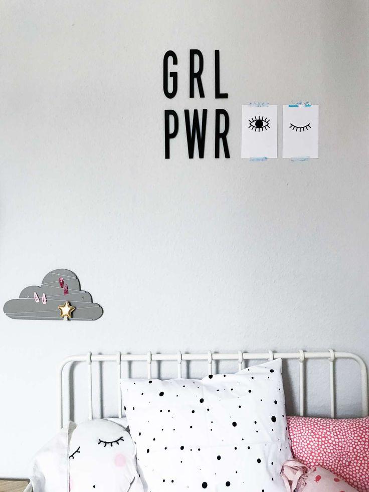 Design Freebe: Lade dir die kostenlosen Printables Awake | Asleep für Poster und Postkarten auf paulsvera.com runter. Augen Poster Printables | Augen Poster Freebie | kostenloser Download | zum Ausdrucken | Kinderzimmer | Mädchenkinderzimmer | Girl Power