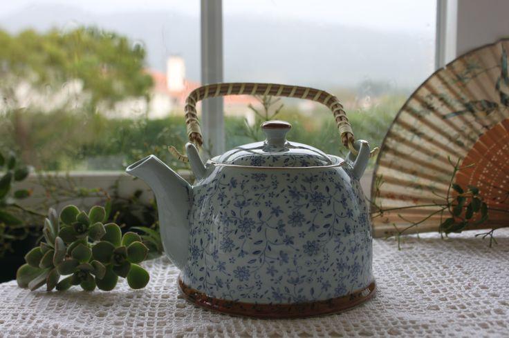Bule ❀ Xangai - Bule tipicamente oriental, em porcelana e pega  amovível em verga, com design inspirador e decoração tradicionalmente chinesa. Inspired by Lemon