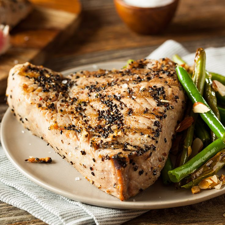 Needing some dinner ideas? How about a steak of grilled tuna with sesame seeds and soy sauce-- lightness with an oriental burst of flavour!