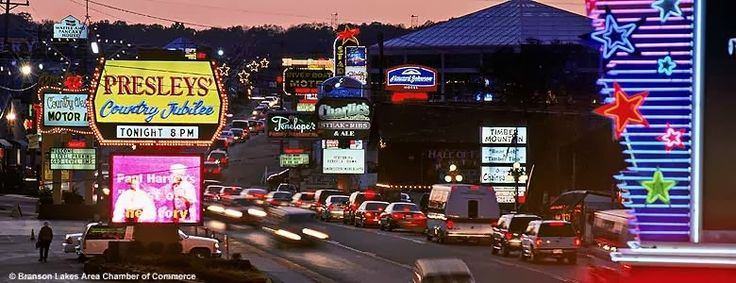 Six of the Best Branson Hotels on The Strip http://www.reservebranson.com/travelguide/branson-hotels-on-the-strip/
