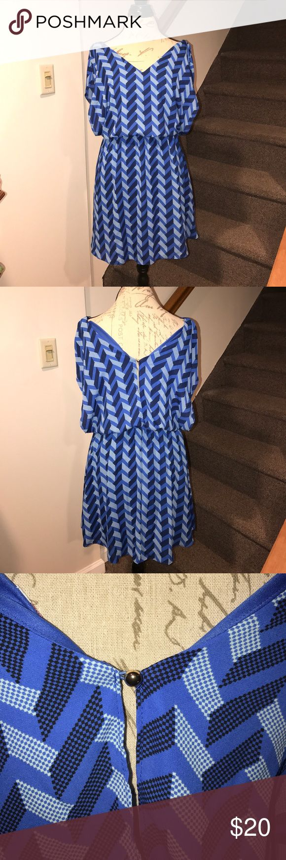 Chevron blue dress ! Show stopping blue chevron candies dress no signs of wear Candie's Dresses Midi