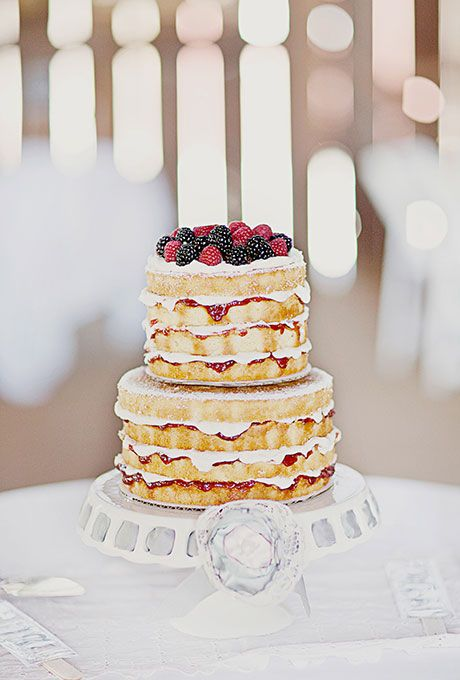 wedding cake with fruit filling fruit filled two tier wedding cake preserve sweet 26898
