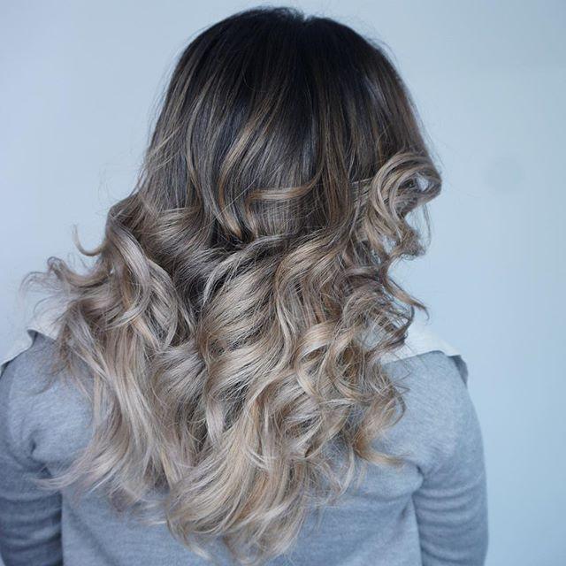 For pricing or bookings please visit www.mandysartstudio.com or call 6046140990 #balayage #balayageombre #licensedtocreate #americansalon #modernsalon #mandys_art #guytang #guy_tang #blondehair #fiidnt #hairporn #hairtransformation #wellahair #wellaeducation #wella #imallaboutdahair #hairbestie #framar #vancouverhairstylist #vancouverhair #surrey #vancouver #yvr #likeforlike #behindthechair #mastersofbalayage #joico #hairjoi