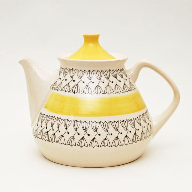 Pernilla teapot by Inger Waage