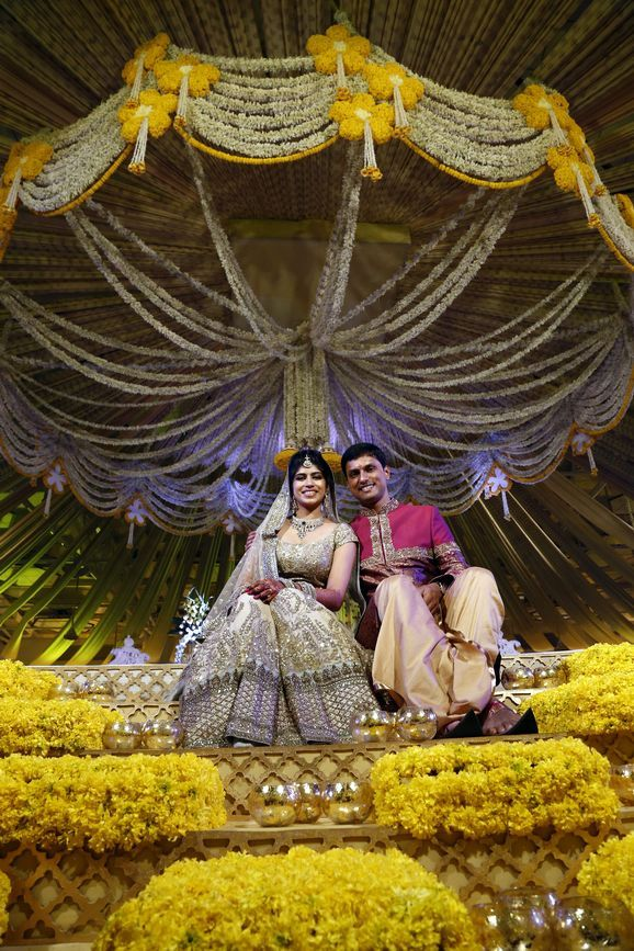 Great decoration but not contrasting the bride's dress... colours could have been different..