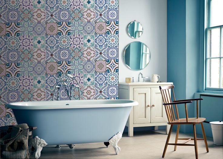 www.valdeco.cl Decora tu baño con nuestros azulejos autoadhesivos