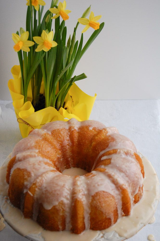 Apricot Nectar Cake | http://www.foodlovinfamily.com/apricot-nectar-cake/