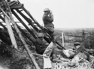 WWI, 25 August 1917, Battle of Passchendaele; Infantry Officers observing Oosttaverne. ©IWM (Q 5917)