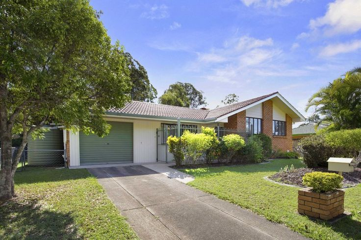 43 Donnington St. Carindale 3 bed 1 Bath 1 Car  http://www.belleproperty.com/buying/QLD/Southside/Carindale/House/43P2651-43-donnington-street-carindale-qld-4152