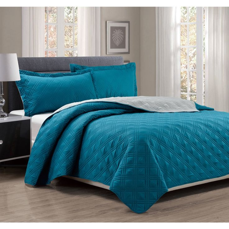 3-piece Solid Reversible King Size Quilt Set in Turquoise