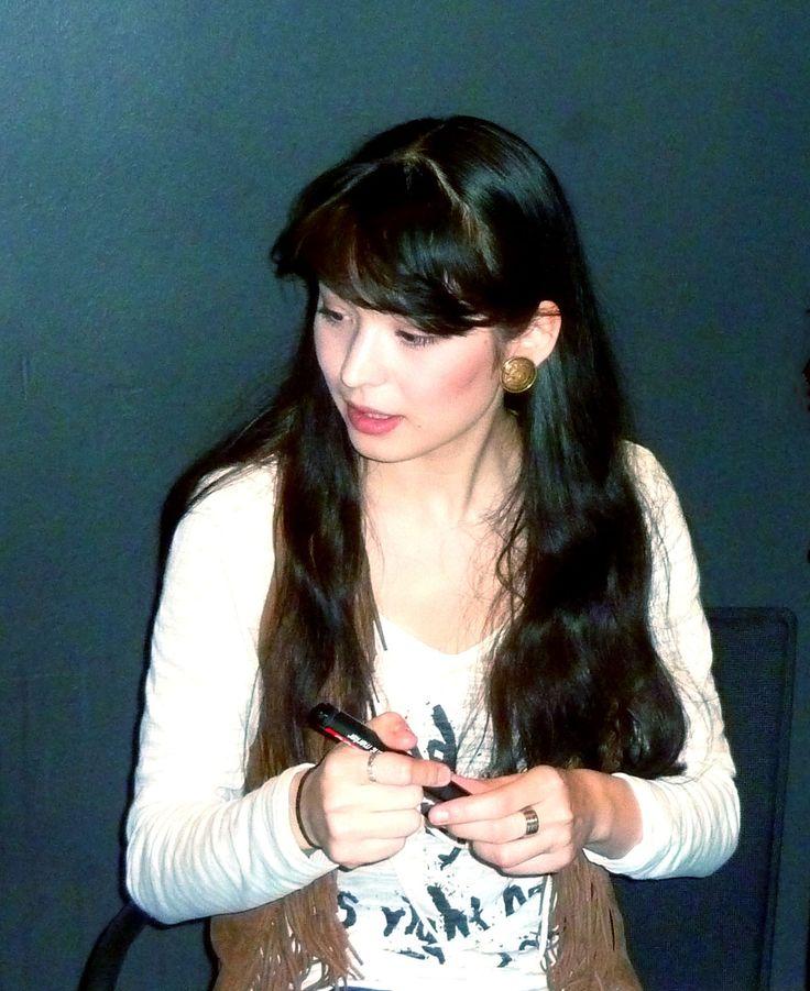 Alice_Sara_Ott_(2011).jpg (1388×1700)