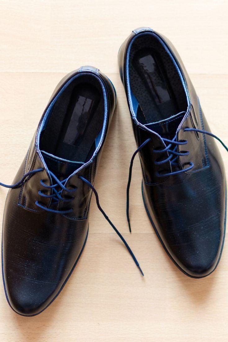Les Meilleures Astuces Pour Garder La Brillance Et La Beaute Des Chaussures En Cuir Chaussure Cuir Chaussures Habillees Pour Homme Nettoyer Chaussures Cuir